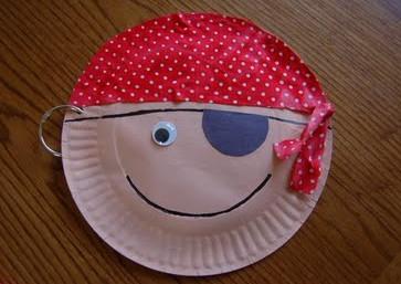kreatívan angolul a gyerekekkel - kalóz feje papírtányérból