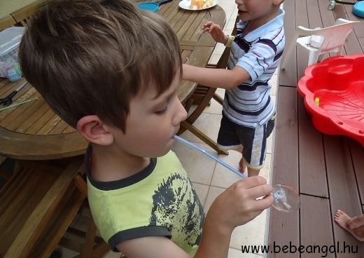 kreatív nyelvtanulás - szívószálas játékok