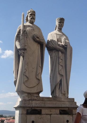 Szent István Király és Gizella királyné szobra Veszprémben