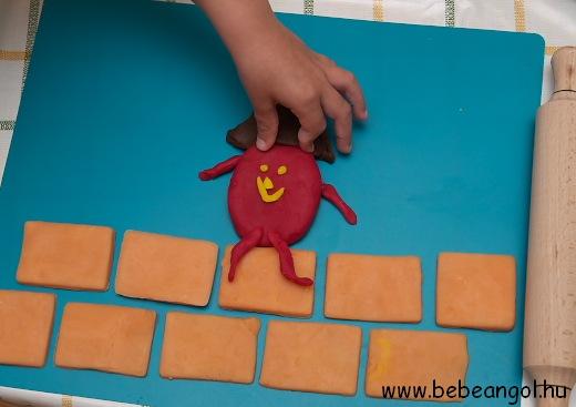 játékos angol gyerekeknek: Humpty Dumpty sat on a wall - angol gyerekdal illusztrálása főzött sóliszt gyurmából