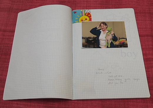 Andi angol daloskönyvében az angoltanárnő